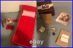 1990 Pleasant Company Molly (Original White Cloth Body) with Clothes & Accessories