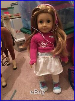 American Girl Doll 2008 Mia Retired! Girl of the Year! Pristine condition +acc
