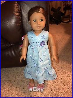 American Girl Doll Kanani Girl Of The Year 2011 In Original Meet Dress Retired