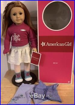 American Girl Doll Mia 2008 Girl Of The Year GOTY Ice Skater & Pajamas Box USED