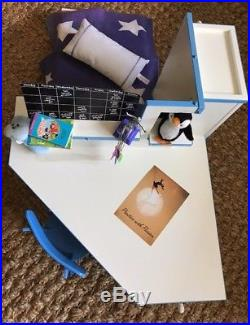 American Girl Doll - RETIRED Mia's Bedroom Furniture and Accessories