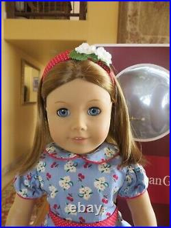 American Girl Emily Doll Molly's Friend New Condition In Box with Book Retired