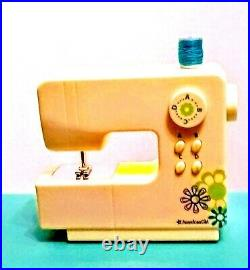 American Girl GOTY CHRISSA's CRAFT STUDIO Table & WORKING SEWING MACHINE READ