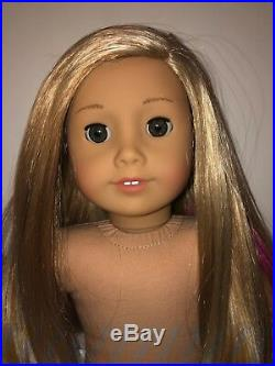 American Girl Isabelle Doll Girl of the Year 2014 Used with book and hair clip