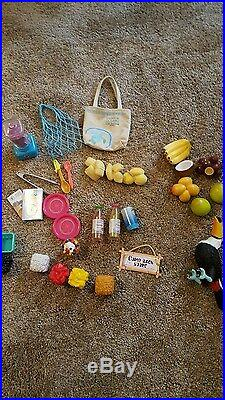 American Girl Lea's Fruit Stand. Meticulous Condition. Slightly Used