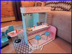 American Girl MaryEllen Seaside Diner complete barely used