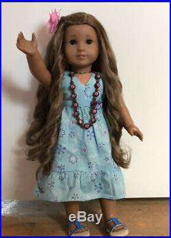 Kanani American Girl Doll of the Year 2011 and her hawaiian collection