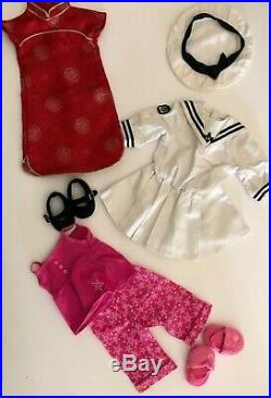 LOT 2 Pleasant Company American Girl Dolls And 78 Clothes/shoes/Accessories