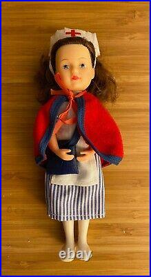 Pleasant Co. American Girl Molly Christmas Story Retired