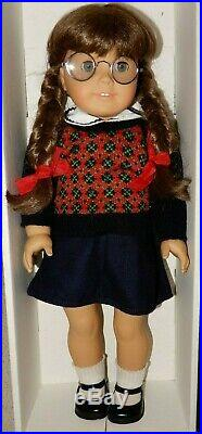 Pleasant Company American Girl Molly McIntire Doll With Box