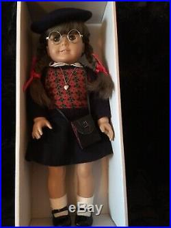 Retired American girl doll Molly in great condition
